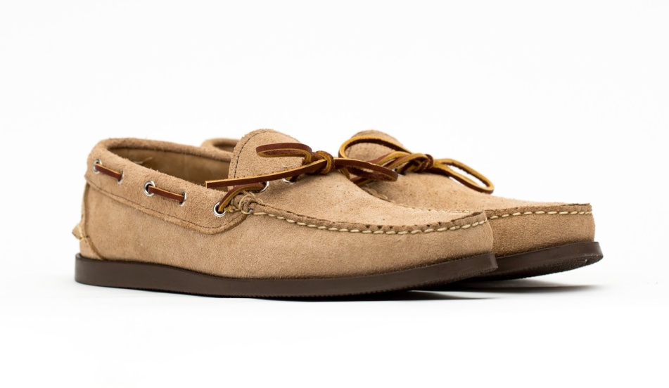 Maine Mountain Moccasin Camp Moccasin in Coyote Roughout